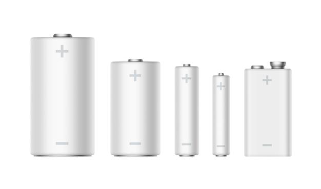 異なるサイズの白い光沢のあるアルカリ電池のベクトルを設定