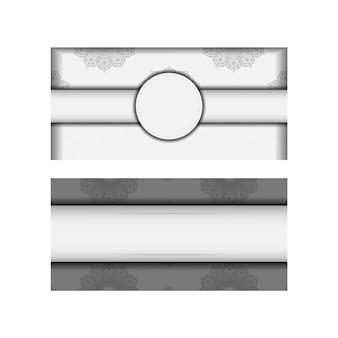 검정 만다라 패턴이 있는 인쇄 디자인 엽서 흰색 색상을 위한 벡터 템플릿입니다. 텍스트와 장식품을 위한 장소가 있는 초대장을 준비합니다.