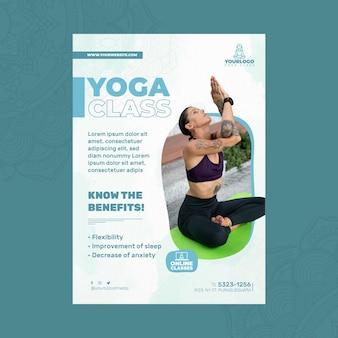 Вертикальный шаблон флаера для практики йоги с женщиной