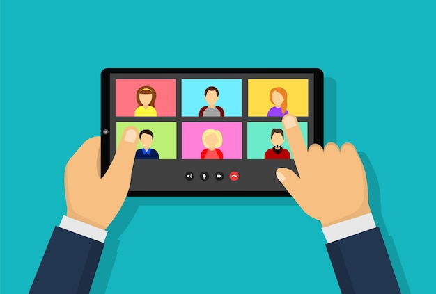 タブレット画面での人々のグループとのビデオ会議。同僚はノートパソコンの画面でお互いに話します。在宅勤務の会議ビデオ通話。オンライン会議。家族の距離コミュニケーション。