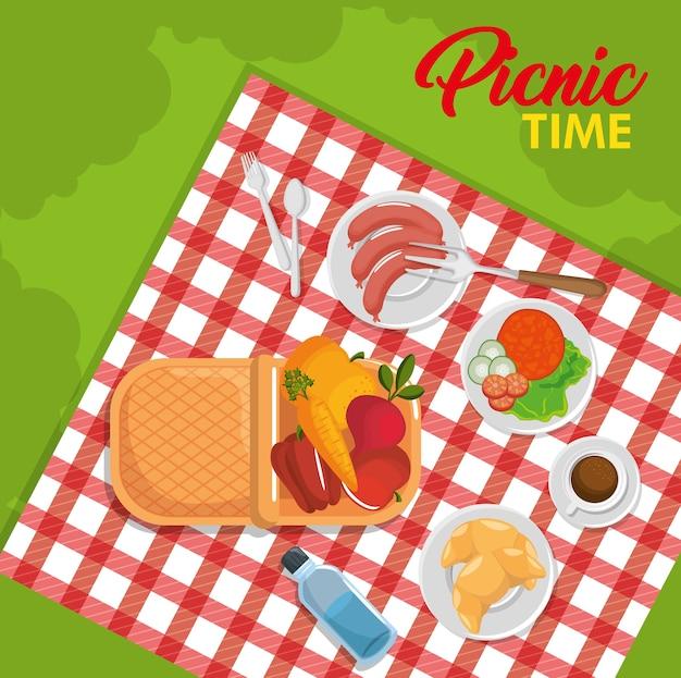 赤いギンガム模様の毛布と食べ物