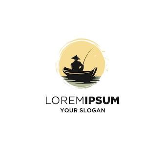Винтажная лодка рыбалка логотип