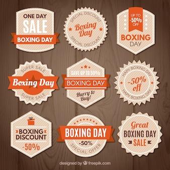 Distintivo di vendita di giorno di boxe dell'annata in arancione