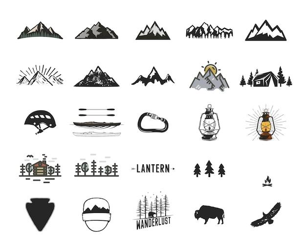 Набор старинных кемпинговых иконок и приключений символов иллюстраций. походные формы гор, деревьев, диких животных и др. ретро монохромный дизайн. можно использовать для футболок, принтов. фондовый вектор.