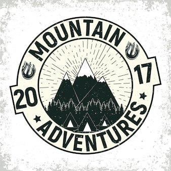 Винтаж кемпинг или туризм логотип