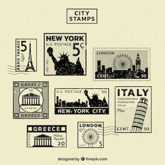다른 도시의 우표의 빈티지 컬렉션