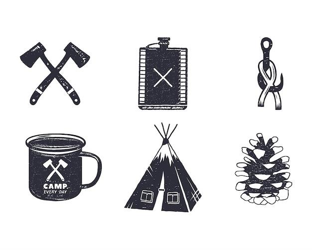 ヴィンテージ手描きキャンプアドベンチャーアイコンと形。レトロなモノクロームデザイン。