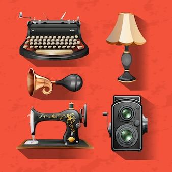 Старинные предметы на красном фоне
