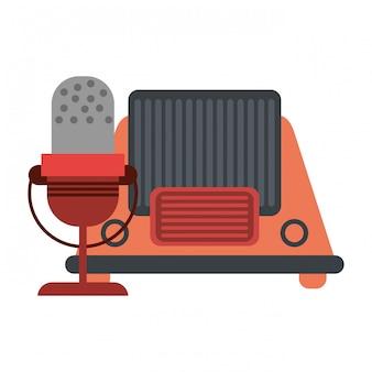 Старинное старое радио и микрофон