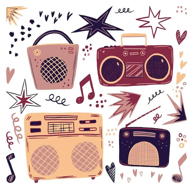 빈티지 라디오와 녹음기. 평면 손으로 그린 벡터 일러스트의 컬렉션입니다. 스칸디나비아 스타일의 다채로운 단순한 음악 요소.
