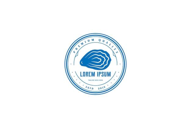 シーフードレストランまたは製品ラベルのロゴデザインベクトルのためのヴィンテージレトロオイスターシェルホタテ貝