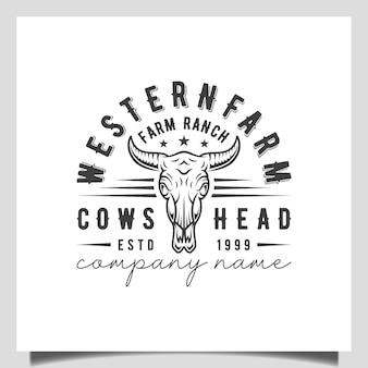 빈티지 레트로 텍사스 롱혼 버팔로 황소 머리, 서부 농장 목장 국가 로고 디자인 벡터 템플릿을 위한 소