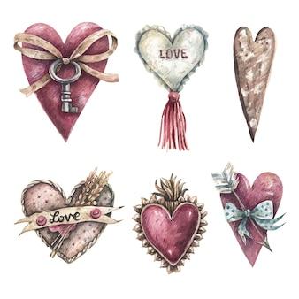Набор рисованных сердечек в винтажном стиле на белом