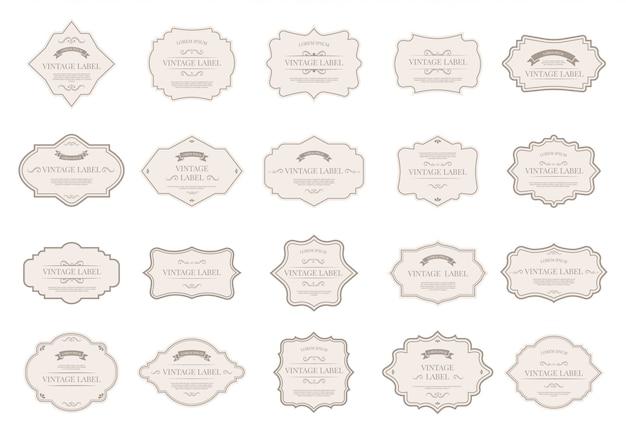 빈티지 태그 레이블. 장식용 복고풍 배지, 장식 프레임 모양 및 결혼식 초대 카드 요소 아이콘 세트에 대 한 우아한 레이블. 빅토리아 스타일 판매 종이 스티커