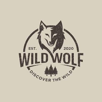 Vintage wild wolf logo isolated on gray