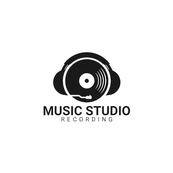 비닐 레코드 로고 템플릿입니다. 벡터 음악 아이콘 또는 상징입니다.