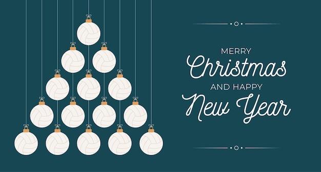 배구 크리스마스와 새 해 인사말 카드 값싼 물건 나무입니다. 크리스마스와 새해 축하를 위해 검은 배경에 배구공으로 만든 창의적인 크리스마스 트리. 스포츠 인사말 카드