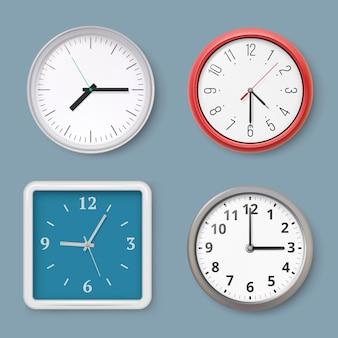 壁時計。時間記号は、オフィスのインテリアベクトルの現実的なイラストの壁時計を切り替えます。壁に掛かっている昔ながらの、ビジネスの現実的な時計仕掛けの時計事務所