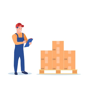 Работник склада проверяет товары на складе поддонов.