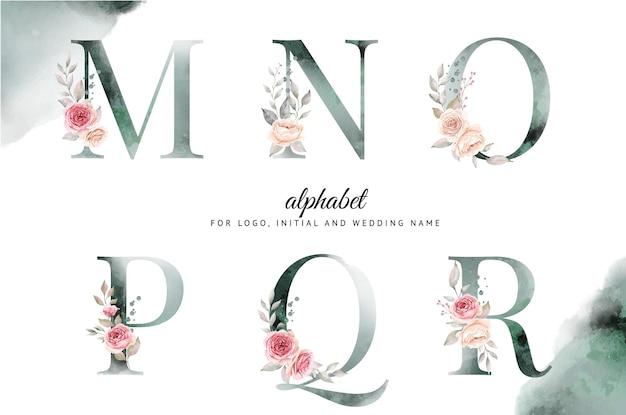 美しい花柄のm、n、o、p、q、rの水彩アルファベットセット。