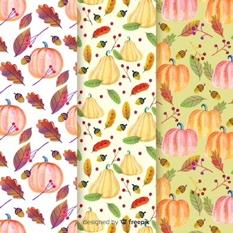 Watercolor autumn pattern collection with leaves