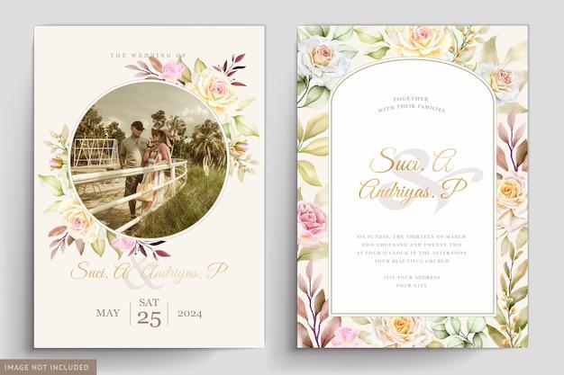 Carta di invito a nozze floreale e foglie dell'acquerello