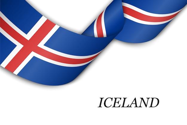 Размахивая лентой с флагом исландии.