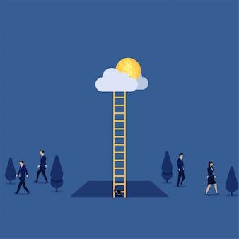 他の人が成功の方法の隠wayを離れるとき、ビジネスマンは雲に梯子を登ります。