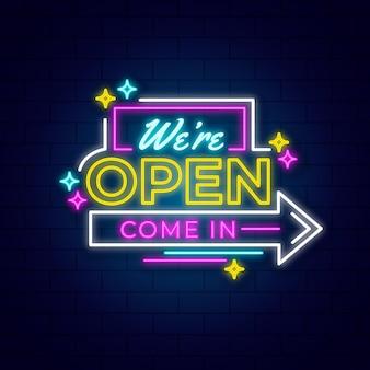 Siamo open sign design