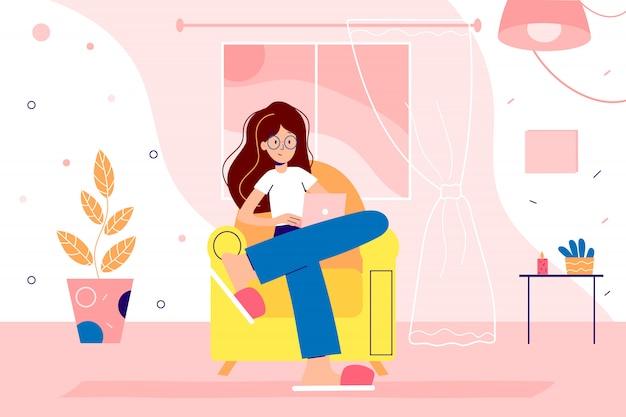 女の子は検疫にホームオフィスから働いています。ラップトップをテーブルに置いて家でフリーランスをし、コロナウイルスから身を守る女性。 webデザイナーの漫画イラスト。