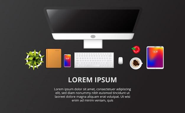 Webコンピューターのセットアップ、電話、ノートブック、植物、コーヒートップビュー。テキストテンプレート