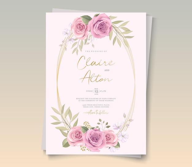 Дизайн свадебной открытки с красивыми цветущими цветочными орнаментами