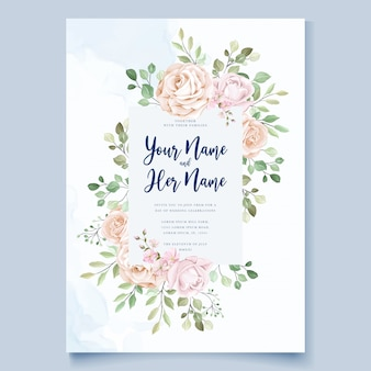 美しい青い花の花輪を持つ結婚式カードテンプレート