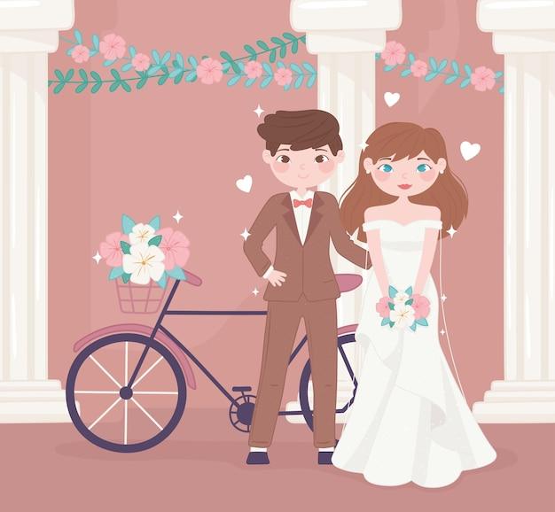 Свадебная пара с велосипедом
