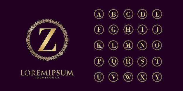 Золотая буква свадебного алфавита