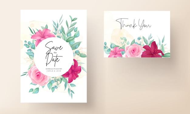 Свадебное приглашение с красивой цветущей лилией и розовым цветком