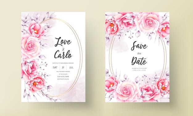 Свадебное приглашение с рисованной акварелью цветком и расположением листьев