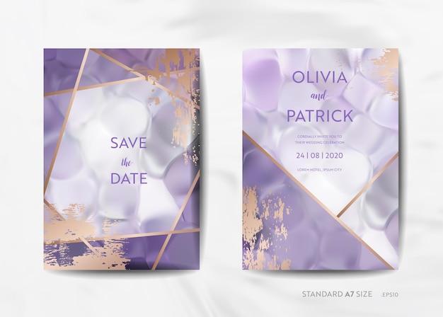 結婚式の招待カードコレクション。日付を保存、トレンディな紫のテクスチャの背景とベクトルのゴールドの幾何学的なアールデコフレームのデザインイラストで出欠確認
