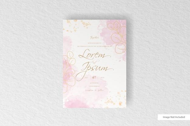 カラフルな水彩スプラッシュと手描きの水彩画と結婚式の招待状のテンプレート