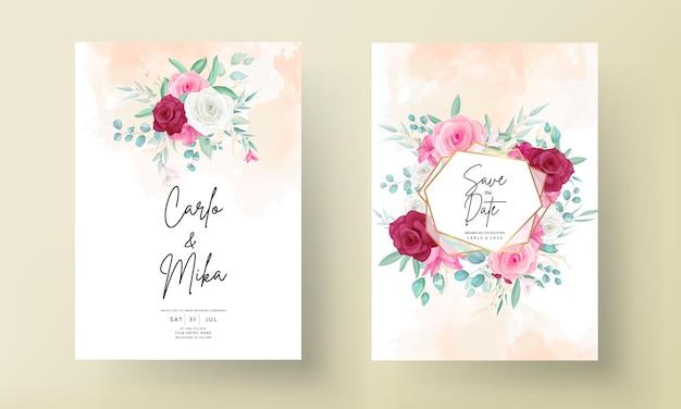 Modello di invito a nozze con bella cornice floreale disegnata a mano