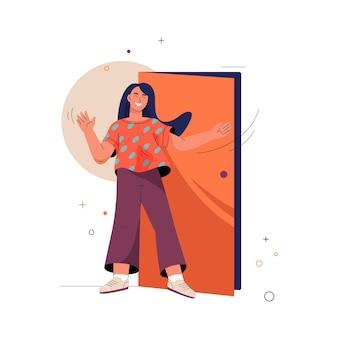 Добро пожаловать концепция улыбается женщина стоит у двери