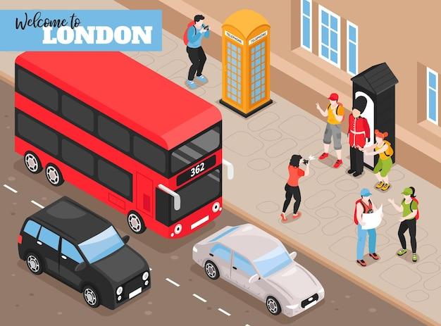 Добро пожаловать в лондон изометрическая иллюстрация с ретро-транспортом и туристами, сфотографированными рядом с изометрической будкой королевской стражи