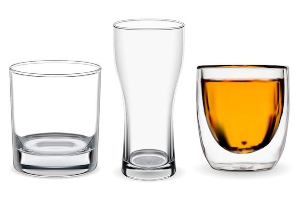 分離されたウイスキーグラス。透明なアルコールカップのイラスト、バーボンドリンク。ビアグラス、レストランのガラス製品。スコッチウイスキータンブラーセット、氷の岩なしで飲んだバー