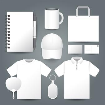 흰색 배경 선물 세트 템플릿과 폴로 셔츠