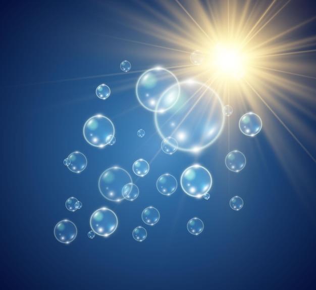 Белые красивые пузыри на прозрачном