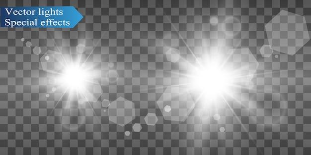 하얀 아름다운 빛이 투명한 폭발과 함께 폭발합니다. 반짝임과 완벽한 효과를 위해 밝은 그림. 밝은 별. 광택 그라데이션의 투명한 광택, 밝은 플래시