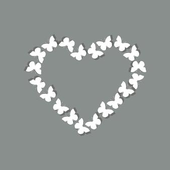 Белые бабочки, формирующие сердце