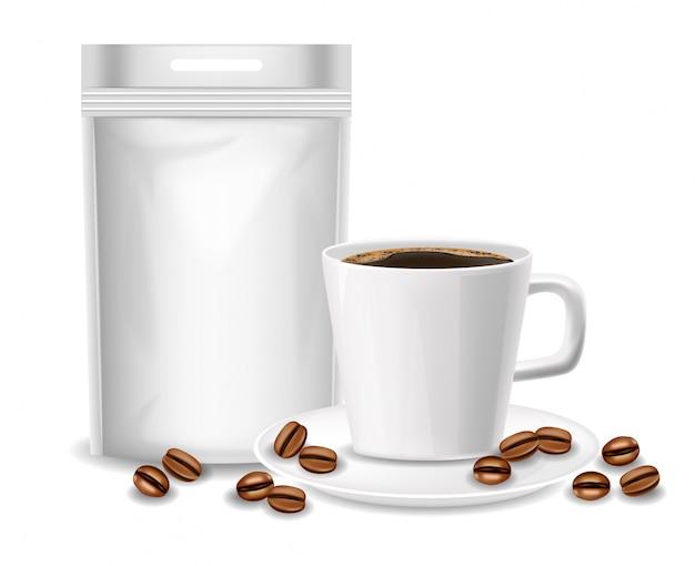 Белая реалистичная чашка, кофейная чашка и изолированная гибкая сумка, упаковка, реалистичные бобы и кофе, иллюстрация