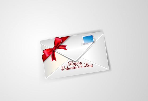Белый конверт с лентой и бантом на день святого валентина