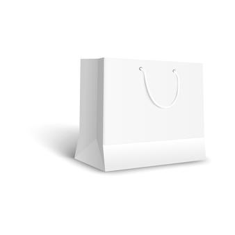 Белый бумажный пакет для покупки в розничном магазине, пустой макет для подарочной упаковки или товаров в магазине, пустой чистый реалистичный шаблон для брендинга - изолированные
